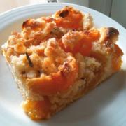 Aprikosenkuchen mit leckeren Crunchy-Knusper-Mandelstreuseln